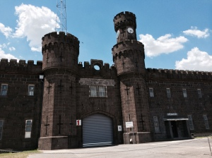 The front gate of the famous Pentrage Prison.