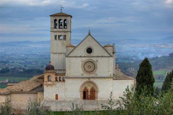 Basilica San Francesco in Assisi.jpg